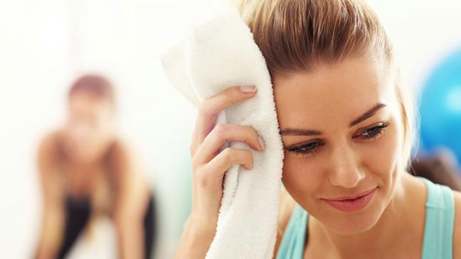does sweat cause hair loss